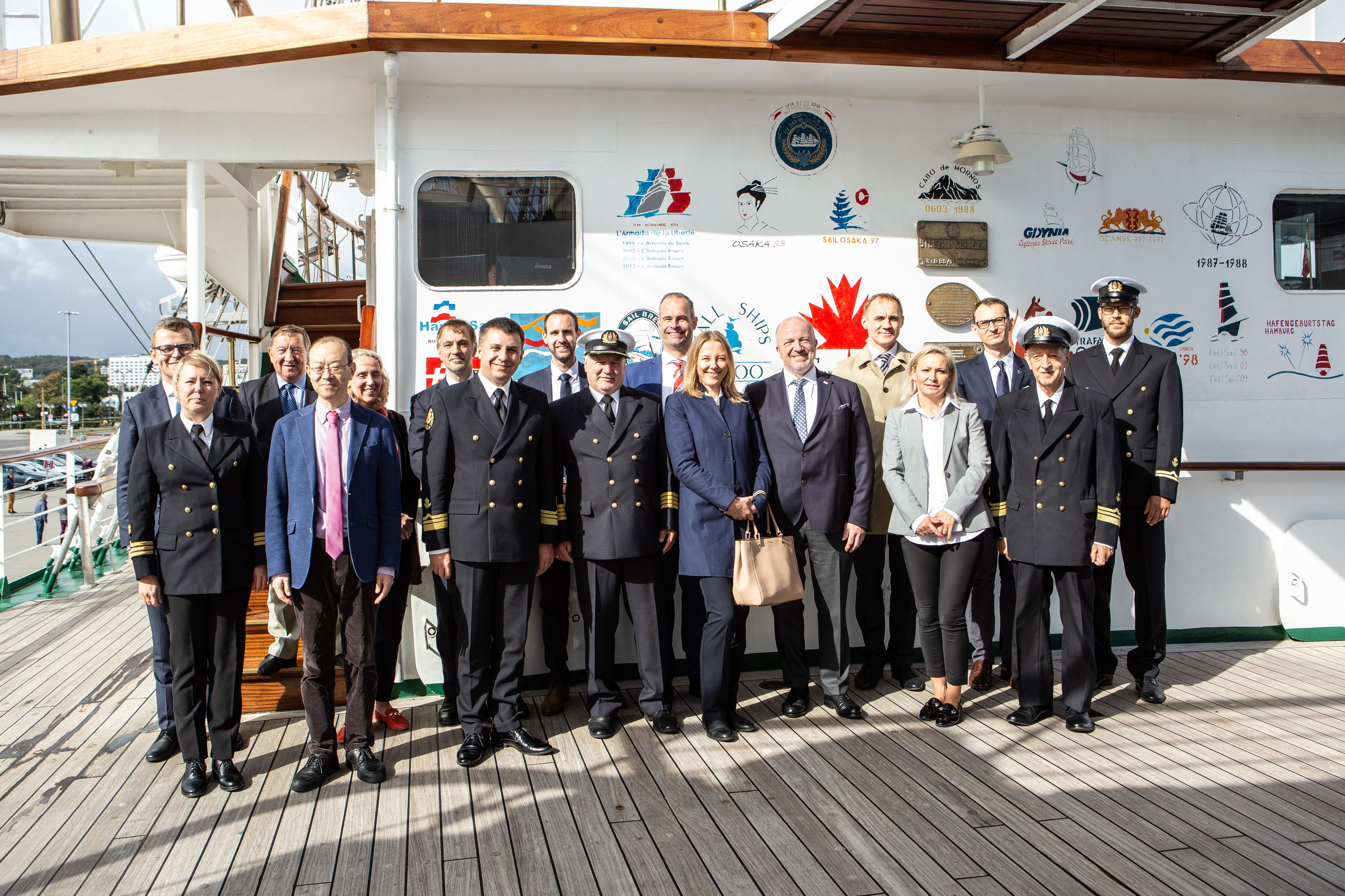 W dniu 17 września 2019 roku odbyła się uroczystość podpisania umowy o współpracy pomiędzy Uniwersytetem Morskim w Gdyni i Ocean Network Express (Europe) Ltd.