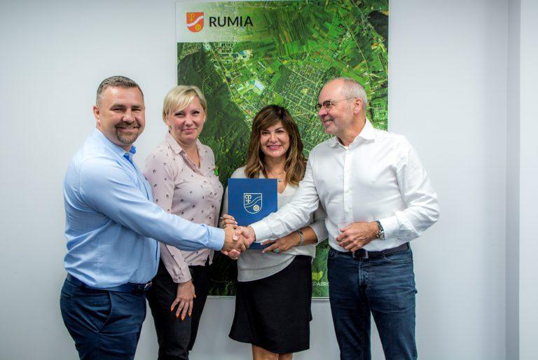 """Kolejna umowa o grant w ramach konkursu """"Invest in Pomerania 2020"""" podpisana przez firmę z Rumia Invest Park"""