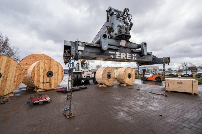 """800 tysięcy złotych wsparcia na projekt obsługi niekonwencjonalnych towarów ciężkich w ramach konkursu """"Invest in Pomerania 2020"""""""